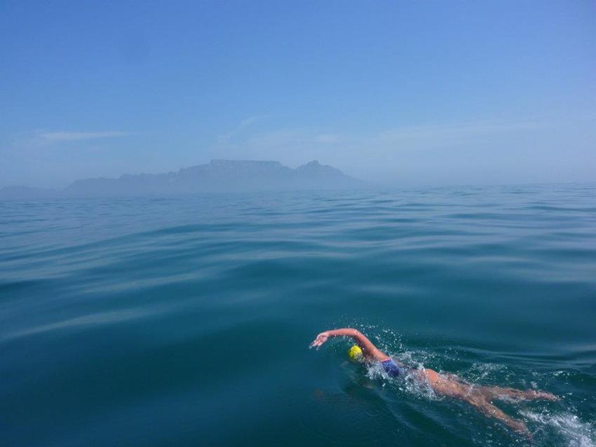 Diferentes técnicas natación en larga y corta distancia
