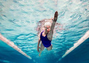 Deslizando en natación lo justo y necesario